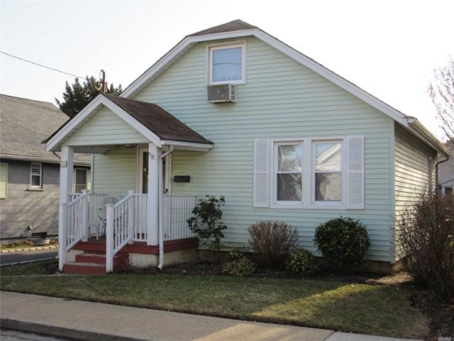 10 Glenwood Ave, Lynbrook, NY 11563 (MLS #3012984) :: The Lenard Team