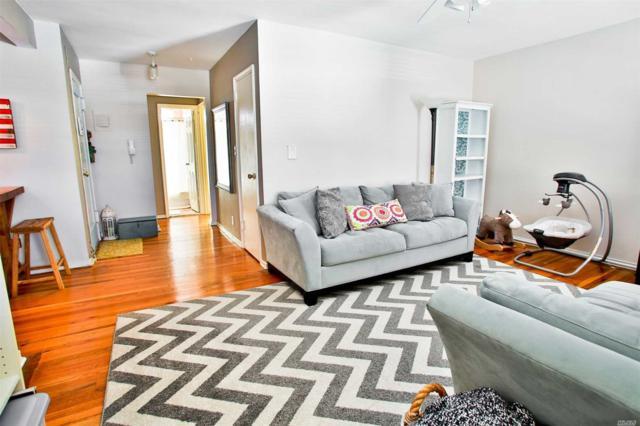 19 Edwards Street 3E, Roslyn Heights, NY 11577 (MLS #3013559) :: Netter Real Estate