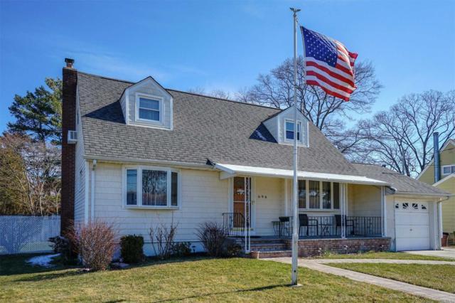 696 N Delaware Ave, Lindenhurst, NY 11757 (MLS #3013765) :: Netter Real Estate