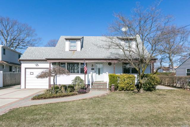 7 Drakeford Ave, N. Babylon, NY 11703 (MLS #3013804) :: Netter Real Estate