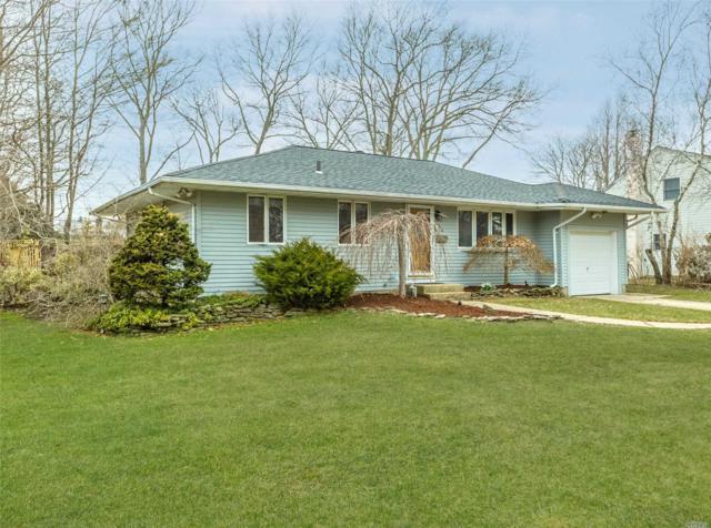 56 Overlook Dr, East Islip, NY 11730 (MLS #3014048) :: Netter Real Estate