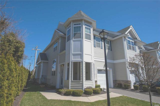 135 Jackie Ct, Patchogue, NY 11772 (MLS #3023347) :: The Lenard Team