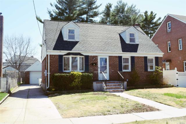 114 Strattford Rd, New Hyde Park, NY 11040 (MLS #3023834) :: The Lenard Team