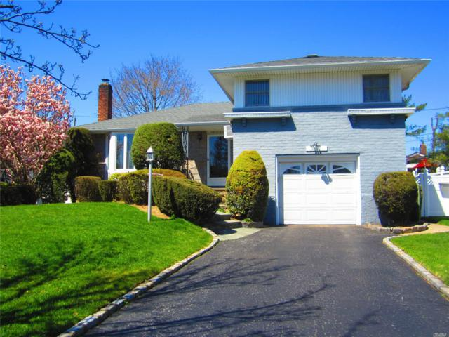 4061 Bayberry Ln, Seaford, NY 11783 (MLS #3023953) :: The Lenard Team