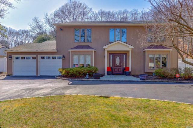 96 Stonehurst Ln, Dix Hills, NY 11746 (MLS #3023991) :: The Lenard Team