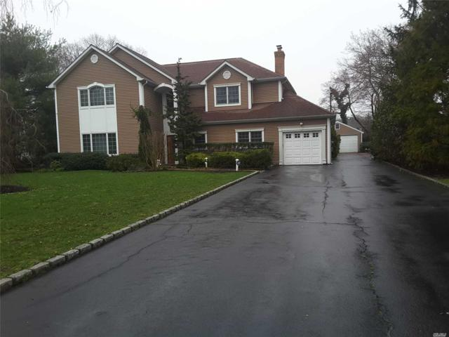 119 Edgewood Ave, Oakdale, NY 11769 (MLS #3024043) :: The Lenard Team