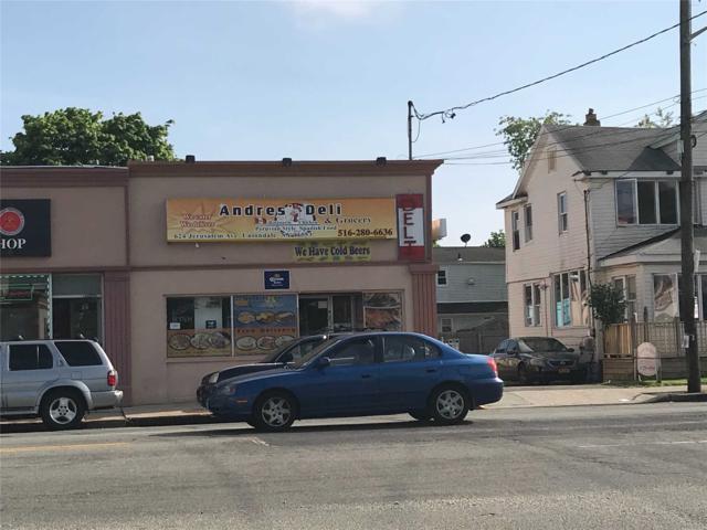 624 Jerusalem Ave, Uniondale, NY 11553 (MLS #3030457) :: Netter Real Estate