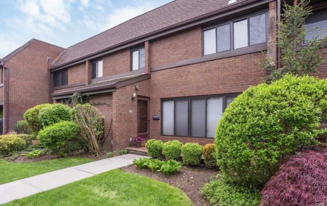 54 Chestnut Hill, Roslyn, NY 11576 (MLS #3030611) :: Netter Real Estate