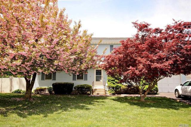 918 6th St, W. Babylon, NY 11704 (MLS #3030991) :: Netter Real Estate