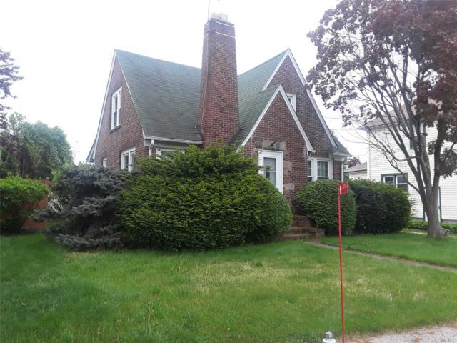 194 Prospect St, Farmingdale, NY 11735 (MLS #3031517) :: The Lenard Team
