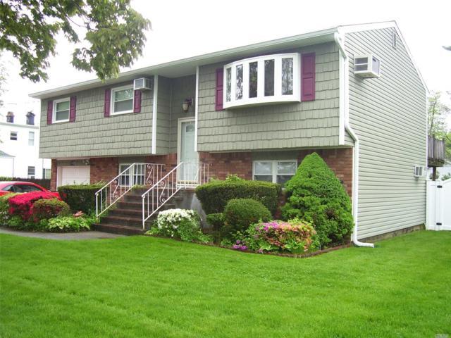 190 37th St, Lindenhurst, NY 11757 (MLS #3031637) :: Netter Real Estate