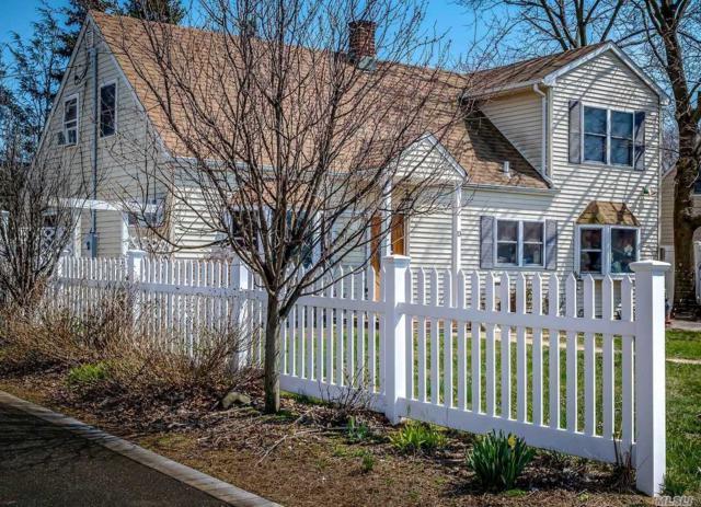 13 Quaker Ln, Levittown, NY 11756 (MLS #3032331) :: The Lenard Team