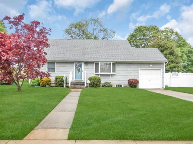 320 Arcadia Dr, West Islip, NY 11795 (MLS #3032385) :: Netter Real Estate