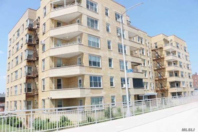 121-16 Ocean Promenade 2G, Rockaway Park, NY 11694 (MLS #3033919) :: Netter Real Estate
