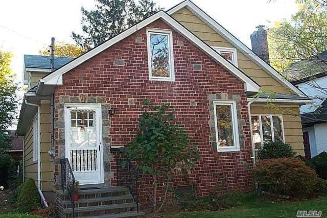 189 Violet Ave, Floral Park, NY 11001 (MLS #3035525) :: The Lenard Team