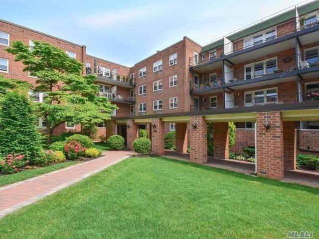 32 Pearsall 2B, Glen Cove, NY 11542 (MLS #3038924) :: Netter Real Estate