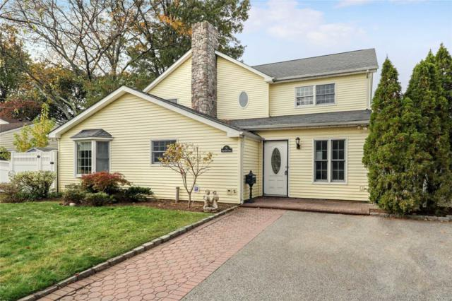 31 Southwood Cir, Syosset, NY 11791 (MLS #3040049) :: The Lenard Team
