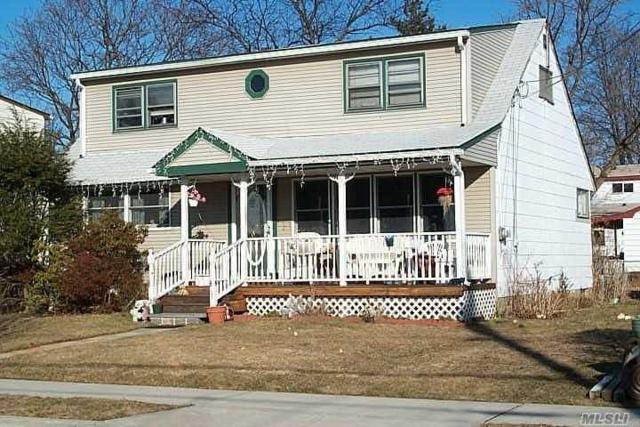 49 Moeller St, Hicksville, NY 11801 (MLS #3040220) :: The Lenard Team