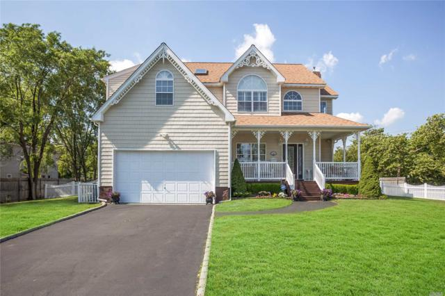 5 Brightwood St, Patchogue, NY 11772 (MLS #3044984) :: The Lenard Team