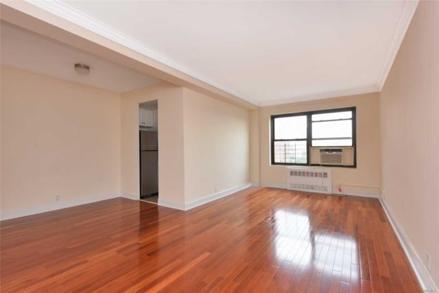 99-40 63 Rd 11T, Rego Park, NY 11374 (MLS #3046634) :: Netter Real Estate