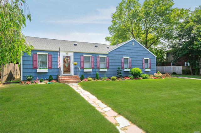 304 George St, West Islip, NY 11795 (MLS #3046838) :: Netter Real Estate