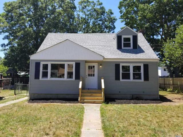 621 N. Fulton Ave, Lindenhurst, NY 11757 (MLS #3047878) :: Netter Real Estate