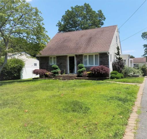 828 Bay Shore Ave, West Islip, NY 11795 (MLS #3048118) :: Netter Real Estate