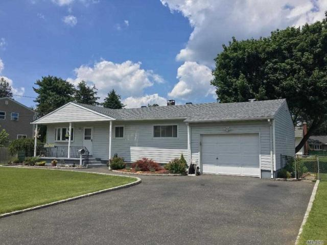 209 Young St, W. Babylon, NY 11704 (MLS #3048282) :: Netter Real Estate