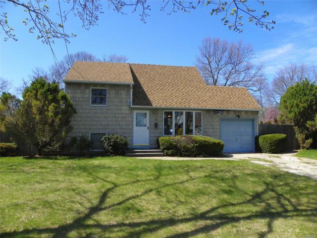 32 Sherwood Dr, East Islip, NY 11730 (MLS #3048599) :: Netter Real Estate