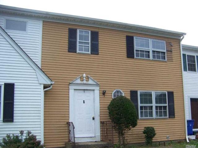29 Hampton Ct, Coram, NY 11727 (MLS #3049513) :: Netter Real Estate