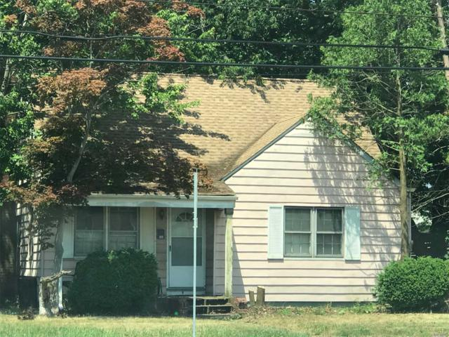56 Walnut Ave E, Farmingdale, NY 11735 (MLS #3050161) :: The Lenard Team