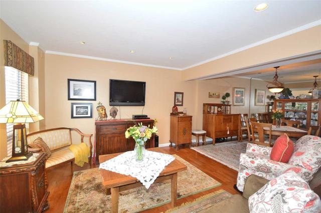 115 Woodlake Dr, Woodbury, NY 11797 (MLS #3056601) :: Netter Real Estate
