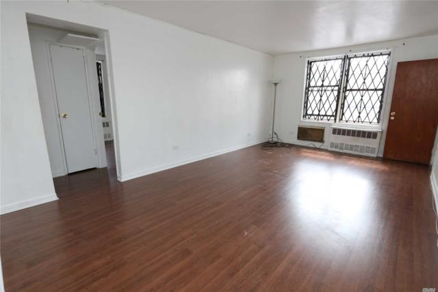 87-20 175 St 2M, Jamaica, NY 11432 (MLS #3057130) :: Shares of New York