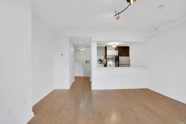 13-11 Jackson Ave 8C, Long Island City, NY 11101 (MLS #3057772) :: The Lenard Team