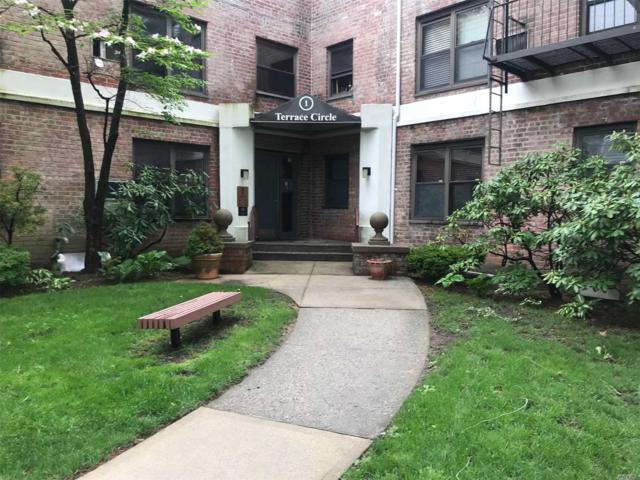 1 Terrace Cir 1 G, Great Neck, NY 11021 (MLS #3062911) :: Netter Real Estate