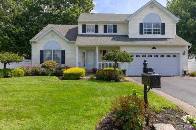 15 Clark St, Selden, NY 11784 (MLS #3064504) :: Netter Real Estate