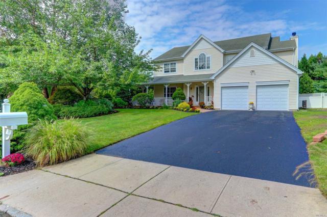 28 Mark Twain Ln, E. Setauket, NY 11733 (MLS #3064653) :: Netter Real Estate