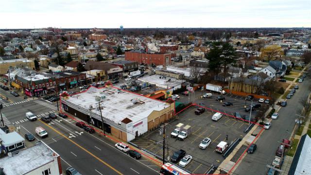 140-144 Jericho Tpke, Mineola, NY 11501 (MLS #3066367) :: The Lenard Team