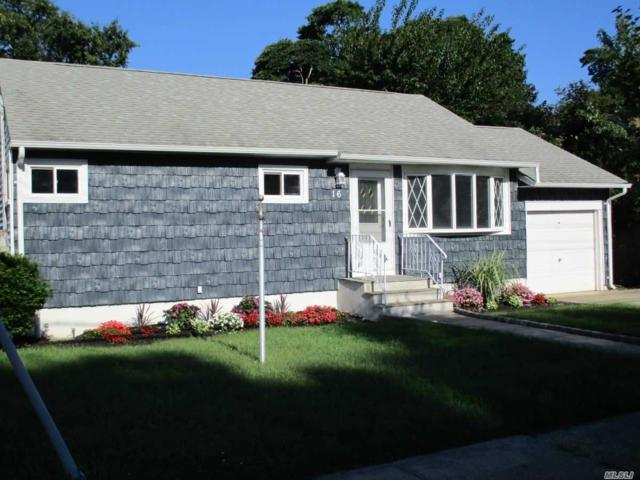 16 Frank St, Lindenhurst, NY 11757 (MLS #3066720) :: Netter Real Estate