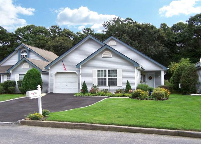 38 Huntingdale Way, Middle Island, NY 11953 (MLS #3067006) :: Keller Williams Points North