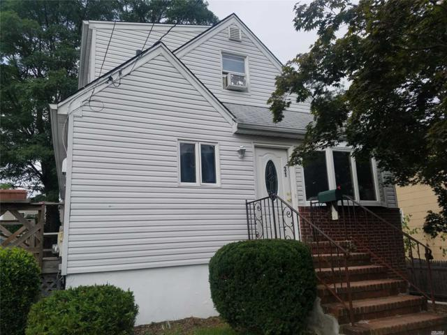 31 Edgewood Rd, Port Washington, NY 11050 (MLS #3067014) :: The Lenard Team