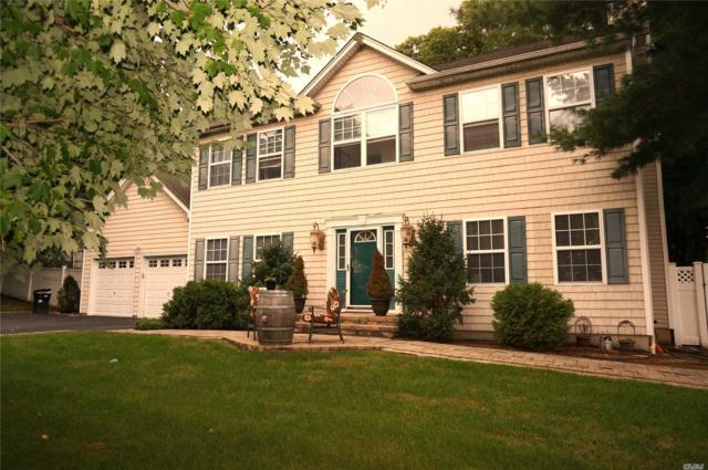 6 Margaret Ave, Nesconset, NY 11767 (MLS #3067101) :: The Lenard Team