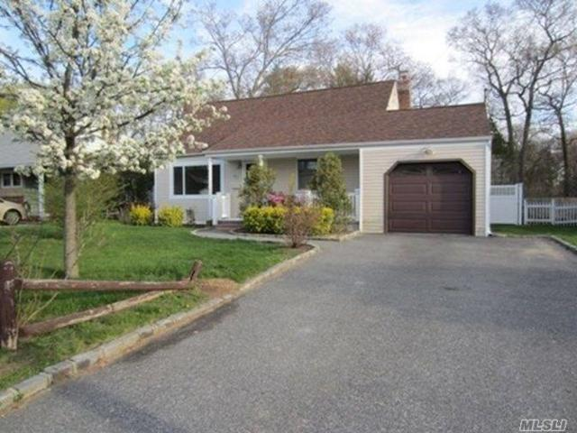 80 Kime Ave, N. Babylon, NY 11703 (MLS #3067274) :: Netter Real Estate