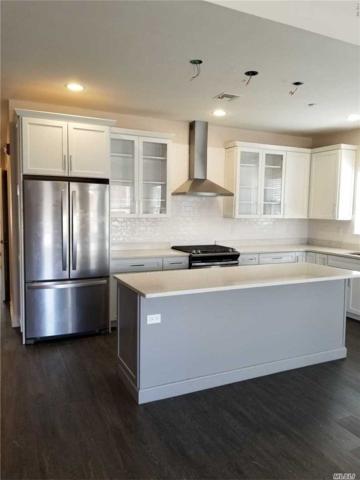 4 Park Drive N, East Islip, NY 11730 (MLS #3067478) :: Netter Real Estate