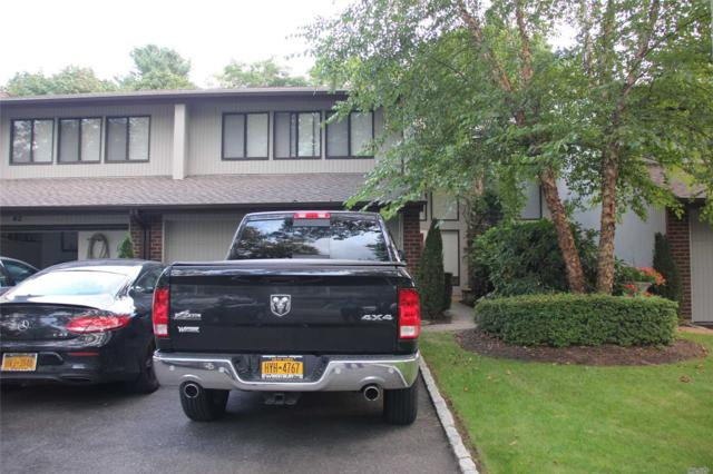 41 E View Ct, Jericho, NY 11753 (MLS #3068958) :: Netter Real Estate