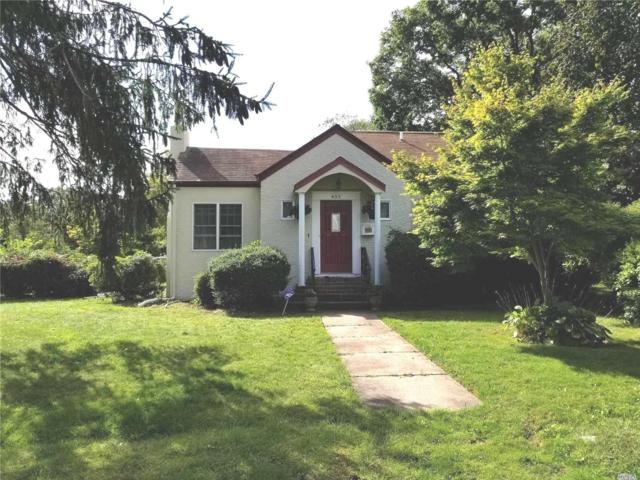 455 Ackerson Blvd, Brightwaters, NY 11718 (MLS #3069399) :: Netter Real Estate