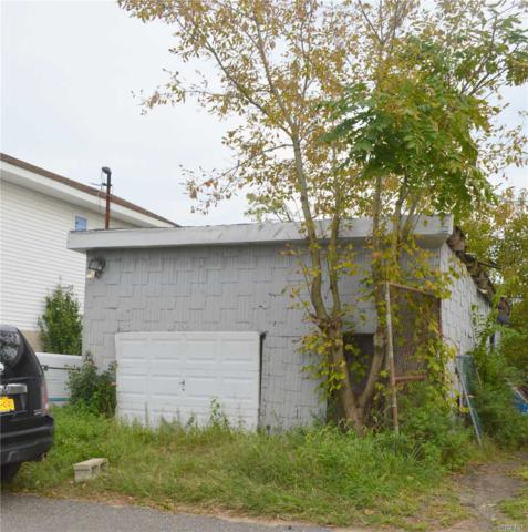 99-38 Russell St, Howard Beach, NY 11414 (MLS #3070437) :: Shares of New York