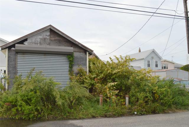 99-61 Russell St, Howard Beach, NY 11414 (MLS #3070451) :: Shares of New York