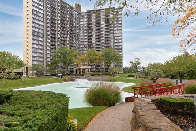 1 Bay Club Dr 10-F, Bayside, NY 11360 (MLS #3072044) :: Netter Real Estate