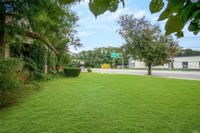 5821 Merrick Rd, Massapequa, NY 11758 (MLS #3073873) :: Netter Real Estate